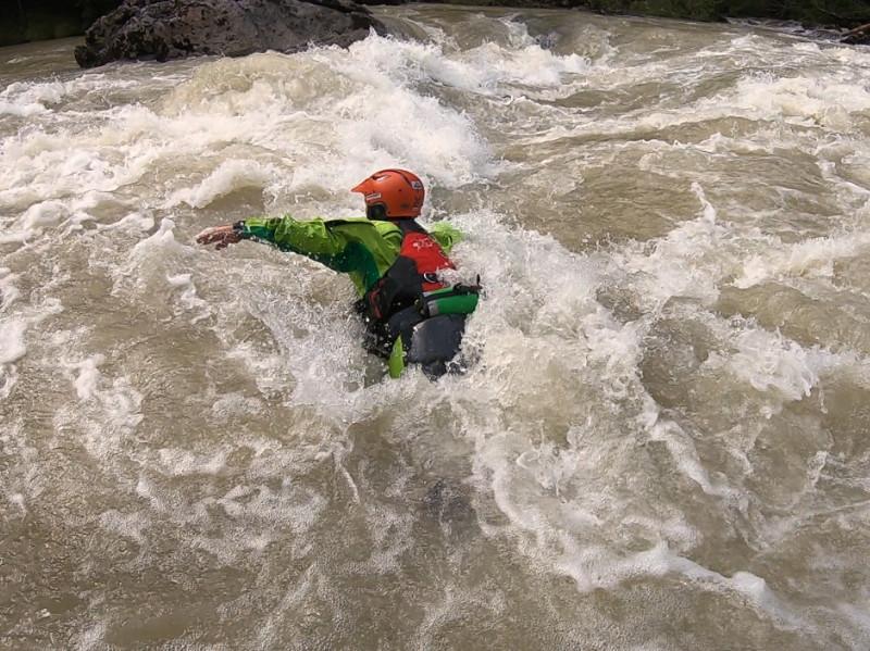 Packraft Wildwasser-Kurs: Schwimmtechnik
