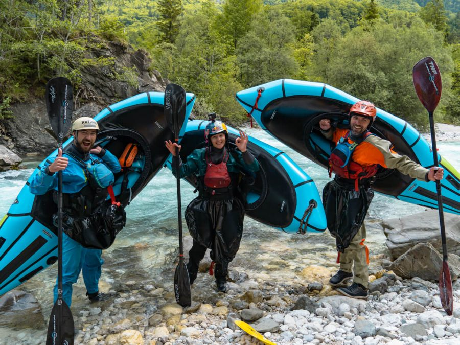 Nouria Newman im Alpacka Raft Packraft